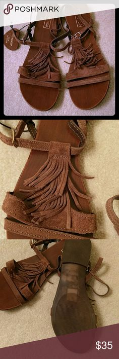 NEW Topshop sandals Never worn. Very cute, leather top shop sandals. Chocolate suede. European size 40, will fit a 9. Shoes Sandals