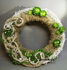 Succulent wreath from Onega Dahlgren, Sweden   Floral Art Forum: November 2012