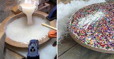 Às vezes, nós passamos horas na cozinha preparando um bolo lindo e, no final, não encontramos nenhum prato bonito para servir a nossa obra-prima. Para não passar por esta situação, que tal fazer você mesmo um prato de bolo maravilhoso e único? Dá um pouquinho de trabalho, mas o resultado vai deixar seus convidados de boca aberta!