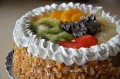 Mixed Fruit Gateau! Perfect blend of fresh cream and seasonal fruits!