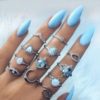 Size : Picture Style : Vintage Color : Silver Gender : Women Girl Item type : Ring Set Metals Type