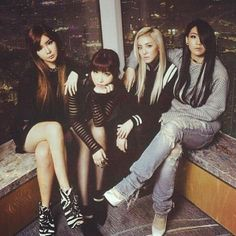 2ne1 are so awesome
