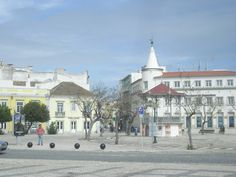 Faro is so much more than the gateway to the Algarve. Take some time to walk around the old town and discover the top things to do in Faro!