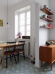 A room to dine in. Mid-century Interior, Kitchen Interior, Interior Architecture, Sweet Home, Dining Room Design, Dining Area, Beautiful Interiors, Interiores Design, Home Decor Inspiration