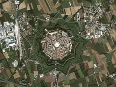 La sutil belleza de las ciudades planificadas - Palmanova, Italia.
