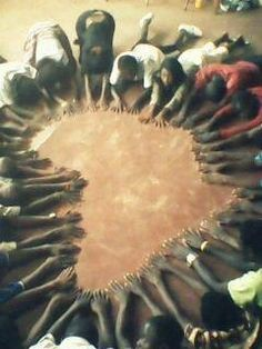 Hands of Africa. (I can't remember the source.) would be cool to have RFKC kids make a starfish out of their hands! African Culture, African History, African Art, African Logo, African Crafts, Black Is Beautiful, Beautiful World, Culture Art, Out Of Africa