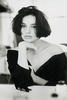 Jean-François Jonvelle was a French photographer, Master of erotic photography Short Wavy Haircuts, Popular Short Hairstyles, Short Hair Cuts, Short Hair Styles For Round Faces, Hairstyles For Round Faces, Brown Ombre Hair, Erotic Photography, Divas, Hair Beauty