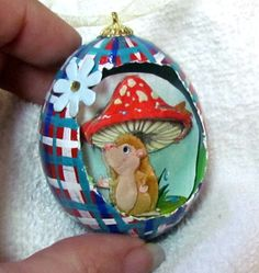 Sam the Hedgehog Eggcettera- Real chicken egg with cute 3D scene inside