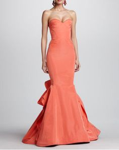 OSCAR DE LA RENTA DRESS @Michelle Coleman-HERS - Wish I had an occasion to wear this gown. It's exquisite!