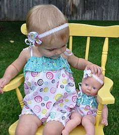Learn how to make doll clothes for your girl's favorite friend. Doll projects, 18 inch doll clothes patterns, and doll clothing patterns for smaller toys are all right here. Sewing Projects For Kids, Sewing For Kids, Baby Sewing, Free Sewing, Easy Sewing Patterns, Doll Clothes Patterns, Clothing Patterns, Headband Bebe, Girl Dolls