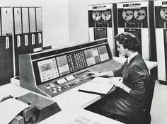 1961 | 13 Absurdly Massive Early Computers