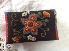 My personal design, inspired by Swedish woolembroidery. This is an etui for calling cards