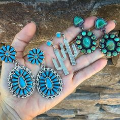 Statement earrings!! Big pop of fun with these fabulous gems! Snatch up a pair for yourself. • • www.sunfacetraders.com • • ➖➖➖➖➖➖➖➖➖➖➖➖➖➖ #SunfaceTraders #NativeAmericanJewelry  #navajojewelry #royston #gemstone #turquoise #squashblossom #accessories  #cowgirl #rodeo #VintageStyle #bohostyle #Authentic #handmade #designer #jewelry #western #Arizona #fashion #cowgirlstyle #countrywedding #turquoisejewelry #summerstyle #shoplocal #cactus #earrings