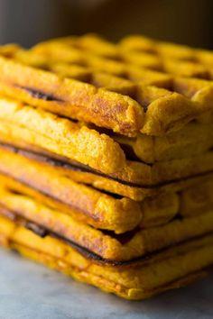 Freezer Sweet Potato Waffles (Extra Crispy) - Sweet Peas and Saffron Clean Eating Breakfast, Healthy Breakfast Recipes, Healthy Recipes, Pancake Recipes, Waffle Recipes, Healthy Breakfasts, Breakfast Time, Brunch Recipes, Breakfast Ideas