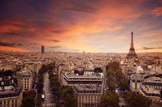 25 authors toasting Paris