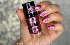 essence Nagellack The Metals Nail Polish 34 turn up the volume2