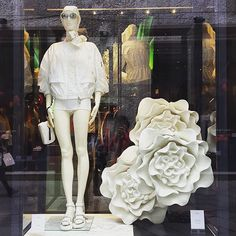 WOWindow @wowindow Moncler #Milano♢...Instagram photo | Websta (Webstagram)