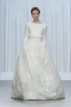 Hinreißende Langarm-Brautkleider 2016: Perfekt für eine stilvolle Herbsthochzeit! Image: 12