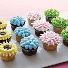 Create A Garden Full Of Flower Topped Cupcakes For Your Next Get Together With These Fanciful Fl Showcase All Sorts Flowers