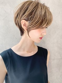 Pin on Whip my Hair Edgy Short Hair, Asian Short Hair, Girl Short Hair, Short Hair Cuts, Medium Hair Styles, Curly Hair Styles, Blonde Asian, Hair Arrange, Short Hairstyles For Women