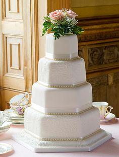 Mr and Mrs GOLD Cake Topper - Premium Crystal Rhinestones - Wedding Bridal Shower or Anniversary Cake Topper (Gold) - Ideal Wedding Ideas Wedding Cake Fresh Flowers, Floral Wedding Cakes, White Wedding Cakes, Cool Wedding Cakes, Beautiful Wedding Cakes, Gorgeous Cakes, Wedding Cake Designs, Floral Cake, Glamorous Wedding