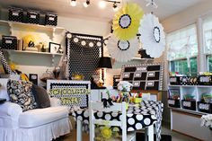 If I had a classroom and the money to put into it... This is SOOO me! I'd find a way to do my bedroom or a room in my house like this. Love yellow, black and white and Polkadots! Doesn't get any cuter!
