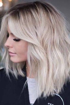 Wanna make your lob cuts look like more attractive and hot? If you are still looking for best hair color options for bob Platinum Blonde Hair Color, Blonde Color, Blonde Highlights, Babylights Blonde, Ash Blonde, Trendy Haircuts, Haircuts For Long Hair, Bob Hairstyles, Everyday Hairstyles