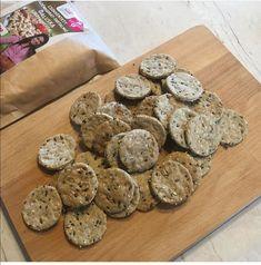 Szafi Reform szénhidrátcsökkentett magvas ropogós tallérok (gluténmentes, tejmentes, tojásmentes, szójamentes, paleo, vegán) – Éhezésmentes karcsúság Szafival Paleo, Cookies, Blog, Crack Crackers, Biscuits, Beach Wrap, Blogging, Cookie Recipes, Cookie