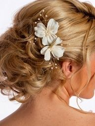Sarah hair for Emma's wedding: curly/messy  updo