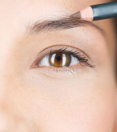 5 Eyebrow Pencil Mistakes We All Make—And Shouldn't | Dailymakeover