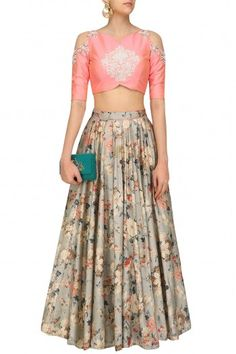 Vintage affaire floral lehenga set available only at Pernia& Pop Up shop. Ethnic Outfits, Indian Outfits, Fashion Outfits, Indian Clothes, Fashion Styles, Indian Skirt, Indian Dresses, Traditional Fashion, Traditional Outfits