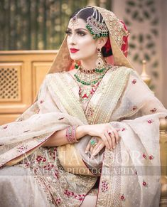 My favourite ayeza in beautiful dress Nikkah Dress, Shadi Dresses, Pakistani Formal Dresses, Pakistani Wedding Outfits, Pakistani Dress Design, Bridal Outfits, Indian Outfits, Pakistani Clothing, Pakistani Bridal Makeup