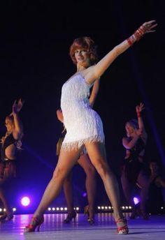 Remarquable danseuse professionnelle qui accompagnait les stars, Fauve Hautot fait depuis l'année dernière partie du célèbre jury. Si elle conserve ce rôle important dans l'émission, la belle rousse a décidé en revanche d'arrêter de danser pendant la tournée éponyme.