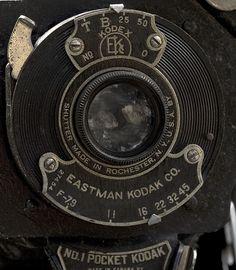 No 1 Pocket Kodak, Kodak Kodar 111mm f/7.9 - a 3 element 3 group triplet design
