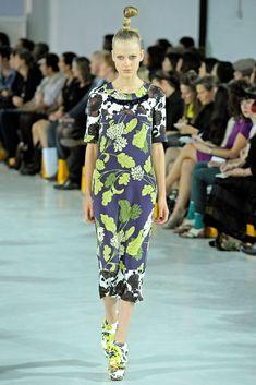 Clements Ribeiro Spring 2011 Ready-to-Wear Collection Photos - Vogue