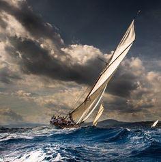 ***Les Voiles de Saint-Tropez // The sails of Saint-Tropez (France) [phographer unknown] ⛵️🇫🇷 Saint Tropez, Classic Sailing, Ship Paintings, Boat Art, Boat Painting, Yacht Boat, Photos Voyages, Sail Away, Tall Ships