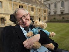 Stephen Hawking, who has died at said he knew what he wanted on his gravestone. The Cambridge professor made clear that he would like what is known as Hawking's equation carved onto his grave. Stephen Hawking Young, Stephen Hawking Frases, Stephen Hawking Death, Stephan Hawkings, Carl Sagan, Faith In Humanity, Quantum Physics, My Idol, The Past