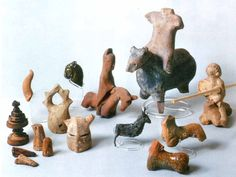 Medieval Toys from 12th and 13th/14th century, found in Konstanz, South Germany.   Figuren-Tier_Reiter-2.jpg 1'247×940 Pixel