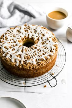 Glazed Cinnamon Streusel Coffee Cake - Browned Butter Blondie Delicious Cake Recipes, Sweets Recipes, Yummy Cakes, Easy Desserts, Cinnamon Streusel Coffee Cake, Glaze For Cake, Breakfast Cake, Breakfast Ideas, Morning Food
