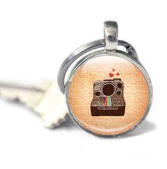 New to GlassCharmed on Etsy: Camera Keyring gift for photographer vintage cameras vintage machines keychain Retro Keyring Vintage Inspired (9.99 GBP)