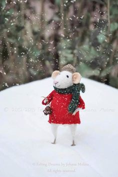 Little Winter Christmas Mouse- Christmas-Winter Seasonal Ornament- Felting… Needle Felted Animals, Felt Animals, Needle Felting, Cute Animals, Christmas Trends, Christmas Inspiration, Winter Christmas, Mighty Mouse, Felt Mouse