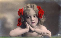 画像2: アンティーク ポストカード*花飾りの美しい少女: