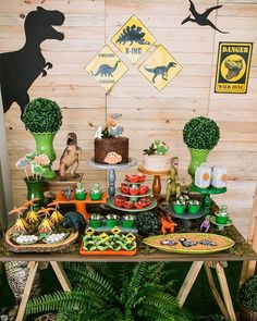 Ideas Birthday Table Decorations Cars For 2019 Birthday Party At Park, Boy Birthday Parties, Festa Jurassic Park, Die Dinos Baby, Dinosaur Birthday Cakes, Birthday Table Decorations, United Nations, Lucca, Plant