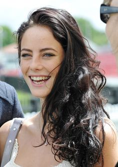 Kaya Scodelario, Look That Beautiful Lynx - All For Hair Color Trending Kaya Scodelario, Kaya Rose Humphrey, Pretty People, Beautiful People, Beautiful Women, The Maze Runner, Girl Crushes, Close Up, Hair Inspiration