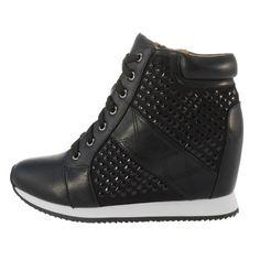 Γυναικεία Casual Mariamare από συνθετικό δέρμα σε μαύρη απόχρωση, με κορδόνια και φερμουάρ στην εσωτερική πλευρά για άψογη εφαρμογή. Διαθέτουν εσωτερικό τακούνι και αντιολισθητική σόλα. Ύψος τακουνιού 9cm. Fall Winter, Wedges, Sneakers, Casual, Shoes, Fashion, Trainers, Moda, Zapatos
