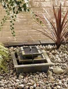 Solar water feature for small garden - no need for electrics