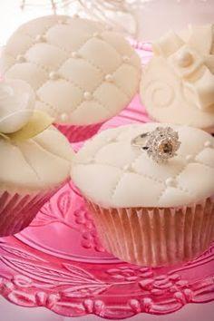 I like the decoration of the cupcake icing - Jon Keith