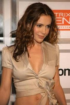 Alyssa Milano-Can she get any sexier? Alyssa Milano Charmed, Alyssa Milano Hot, Beautiful Celebrities, Gorgeous Women, Beautiful People, Gorgeous Girl, Absolutely Gorgeous, Pretty Woman, Allyssa Milano