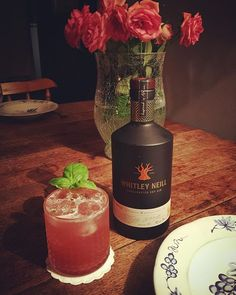 Trying out our new Lemon & Basil syrup with a lil bit of gin! #cocktails #southampton #bedfordplace #bringandmix