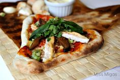 Pizza si, pero con un marcadísimo carácter asiático. Mezcla de culturas y explosión de sabores. Disfruta